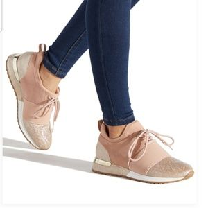 ShoeDazzle CALLIE MIXED MATERIAL SNEAKER - Blush